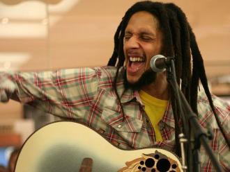 Hijo de Bob Marley celebra la despenalización de marihuana