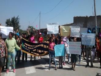 Lambayeque: se registra violento desalojo entre familias y la PNP