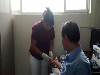 Piura: denuncian que Salud estaría aplicando pruebas de VIH vencidas