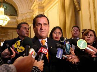 Luis Iberico: Sería penoso que dejen en el aire a García Belaunde