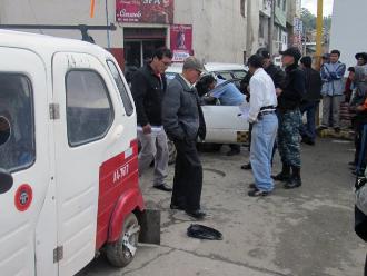 Tres muertos dejó un choque entre bus de pasajeros y mototaxi en VES
