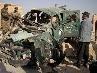 Mueren siete soldados afganos en un bombardeo por error de Estados Unidos