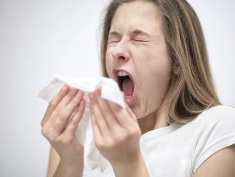 Aprende a diferenciar un resfrío de una rinitis alérgica