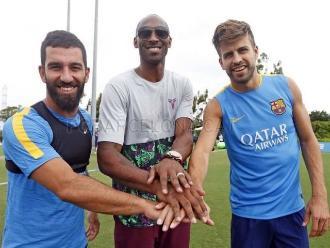 Barcelona: Kobe Bryant visita práctica y se ofrece como jugador azulgrana