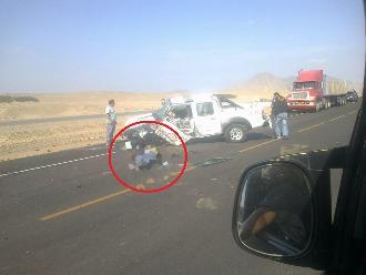 La Libertad: camioneta choca contra tráiler y deja un policía muerto