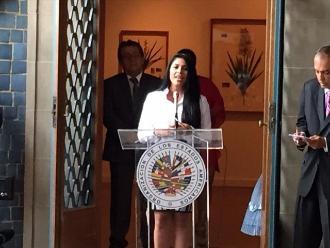 Maricarmen Marín cantó el Himno Nacional en la Casa Blanca
