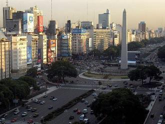 Argentina: sindicatos y empresarios acuerdan aumentar 28,5% salario mínimo