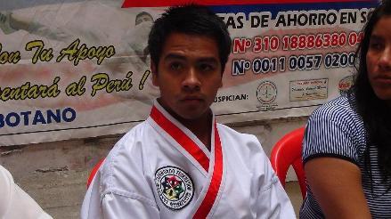 Joven chimbotano gana torneo mundial de Taekwondo