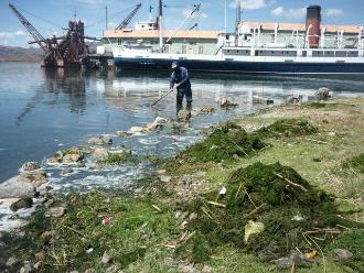 Puno: realizan vigilia en el lago por embarcaciones desconocidas