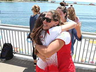 Toronto 2015: El abrazo de las hermanas Cuglievan por el oro para Perú