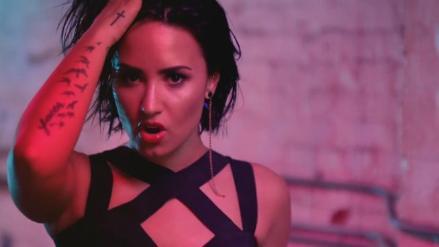 Demi Lovato muestra su lado más sexy en nuevo videoclip