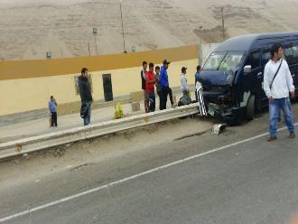 WhatsApp: cuatro heridos dejó accidente de tránsito en la Panamericana Sur