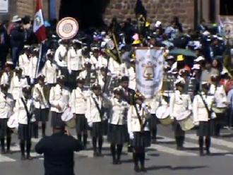Cusco: estudiantes participaron de gran desfile escolar por fiestas patrias