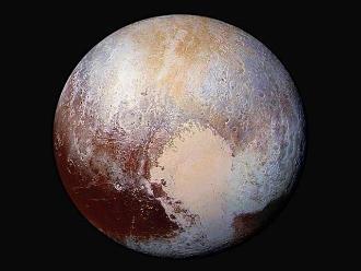 La NASA divulga nuevas imágenes de Plutón, cubierto de niebla y hielo