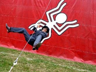 César Aedo: Le niegan permiso a su circo