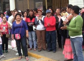 Trabajadores de limpieza exigen pagos a burgomaestre de Chiclayo