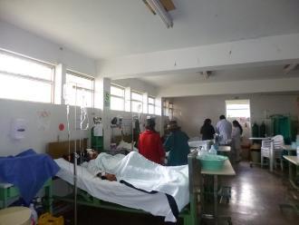 Tumbes: 11 heridos dejó despiste de bus que llevaba estudiantes para desfile