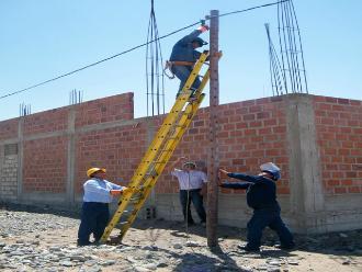 MEM ejecuta 5 proyectos de electrificación en sierra de La Libertad