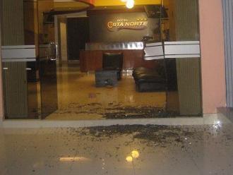 Chiclayo: lanzan ladrillo en hotel al costado de la discoteca