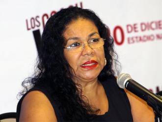 Eva Ayllon envía saludo patrio a peruanos en el exterior