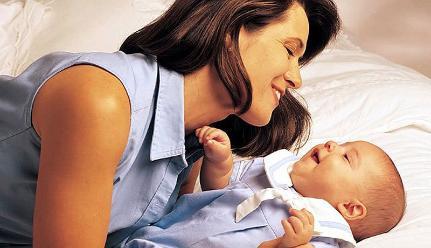 Separar al bebé de su madre provoca trastornos intestinales
