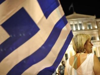 Secretario griego dice que su país sufre catástrofe económica y política
