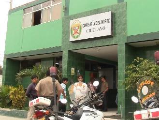 Sujeto intentó acuchillar a dos agentes policiales en Chiclayo