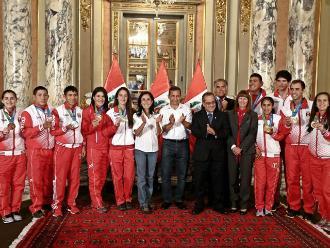 Ollanta Humala entrega un incentivo económico a medallistas de Toronto 2015