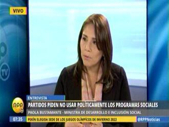 Ministra niega uso político de programas sociales del Gobierno