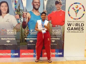 Nadador trujillano gana medalla de plata en Mundial de Los Ángeles