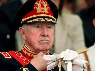 Documentos de EEUU: Pinochet encubrió el caso de jóvenes quemados
