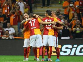 Weasley Sneijder cumplió con la ley del ex ante el Inter de Milan