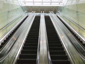 Piden poner vigilancia en escaleras eléctricas de centros comerciales