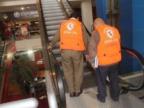 MML inspecciona escaleras eléctricas de centros comerciales
