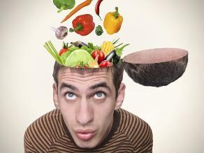 Puedes entrenar tu cerebro para que prefiera comida sana, según estudio