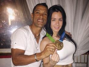 Miguel Ubeto celebró oro en Juegos Panamericanos junto a Diosa Canales