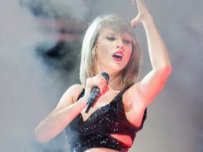 Taylor Swift: Mira el susto que se llevó en pleno concierto