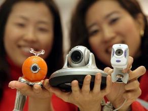 Crean dispositivo que evita ser espiado mediante la cámara web