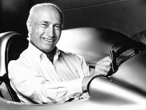 Juan Manuel Fangio: Exhuman restos del ex piloto por pruebas de paternidad