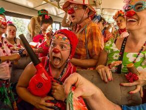 Wendy Ramos y sus narices rojas alborotan el Festival de Belén