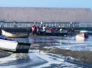 Cierran principales puertos de La Libertad por oleajes anómalos