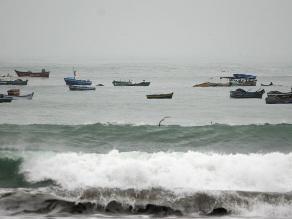 Paralizan toda actividad marítima en Pisco por oleajes anómalos