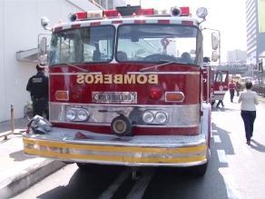 Al menos diez obreros resultaron heridos tras caída de techo en Huachipa