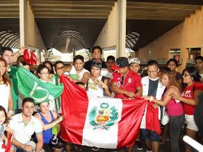 Juan Vargas: Hinchas de Alianza Lima también reciben al 'Loco' en Sevilla
