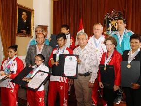 Trujillo: condecoran a niños que participaron en Olimpiadas Especiales