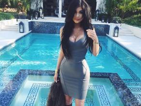 Kylie Jenner celebra su cumpleaños con sensuales fotos
