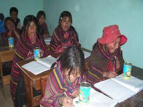 Chiclayo: autoridades desaíran a padres de caserío lejano