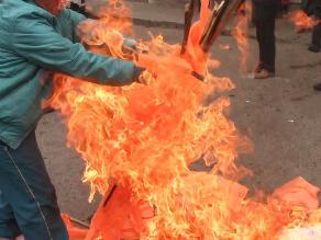Junín: militantes de Fuerza Popular se lanzaron huevos en conferencia
