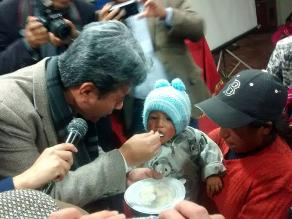 Puno: viceministro dota micronutrientes contra anemia y desnutrición