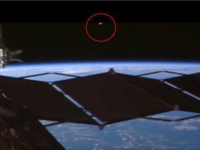 YouTube: NASA graba extraño objeto volando cerca de la Estación Espacial